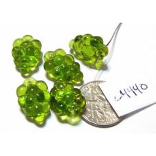 C4440 Czech Glass Beads Grapes MEDIUM GREEN